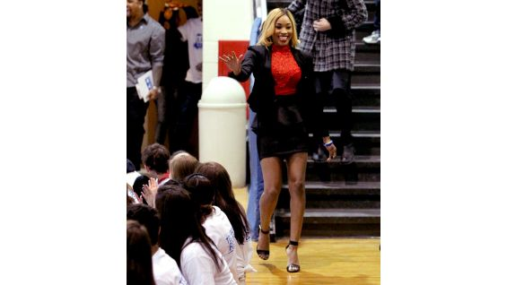 """Total Divas"" star Cameron says hello to the students at Shelby Junior High School."
