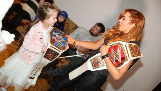 Becky Lynch grants Lacie-Mai's wish before Raw in London.