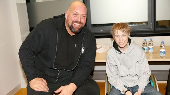 Big Show meets Lucas during WWE Live's stop in Stuttgart, Germany.
