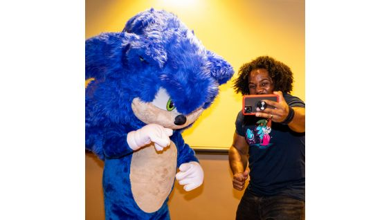 Xavier Woods Hosts Sonic The Hedgehog Screening With Boys Girls Clubs Of Atlanta Photos Wwe Community