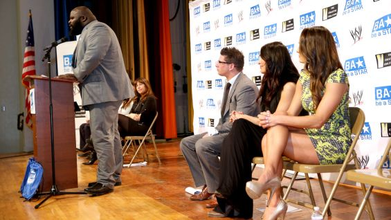 Mark Henry shares a personal story about being bullied when he was younger.
