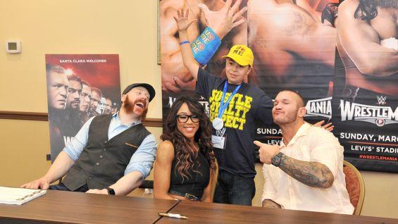 WrestleMania Week Make-A-Wish private signing: photos ...   565 x 318 jpeg 37kB