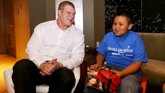 Kane meets Make-A-Wish's Kevin before SmackDown in Phoenix.