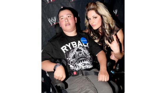Kaitlyn also pays a visit to Eric.