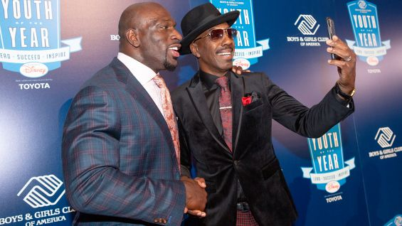 It's selfie time with Gala emcee JB Smoove.