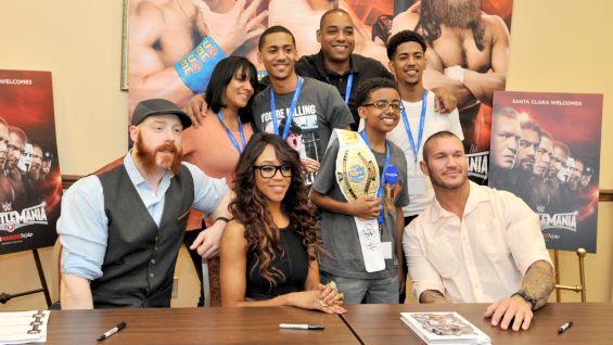 WrestleMania Week Make-A-Wish private signing: photos ...   565 x 318 jpeg 42kB