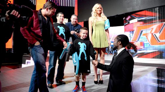 Michael, who is from New York City, took his first airplane trip to meet some of his favorite Superstars before Raw.