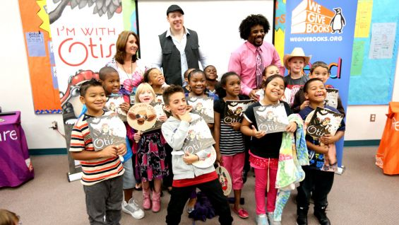 Sheamus and Xavier Woods host a Reading Celebration for second-graders at Folsom Elementary School in Thonotosassa, Fla.