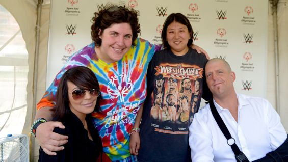 how to meet wwe superstars at live events
