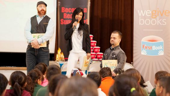 WWE's Sheamus, Rosa Mendes and Hornswoggle visit the second-graders at the school.