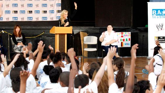 Natalya led the children in the be a STAR pledge, urging them to help end bullying.