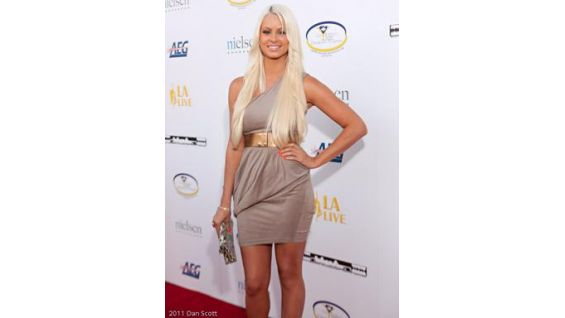 Maryse walks the red carpet at the Boyle Heights 5th Annual Community Awards Gala.