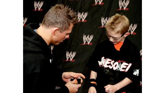 The former WWE Champion gives Dylan his Miz gear from WWEShop.com.