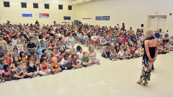 Natalya and hornswoggle host a be a star rally in - Pleasant garden elementary school ...