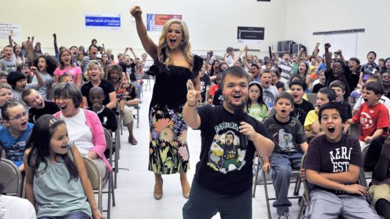 Hornswoggle and Natalya kick off a be a STAR Alliance rally in Greensboro, N.C.