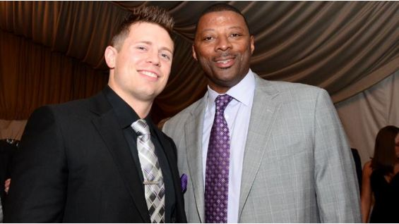 The Miz with legendary New York Giant and Strike 3 Foundation supporter Carl Banks.