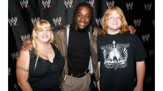 They met Kofi Kingston at Los Angeles' STAPLES Center.