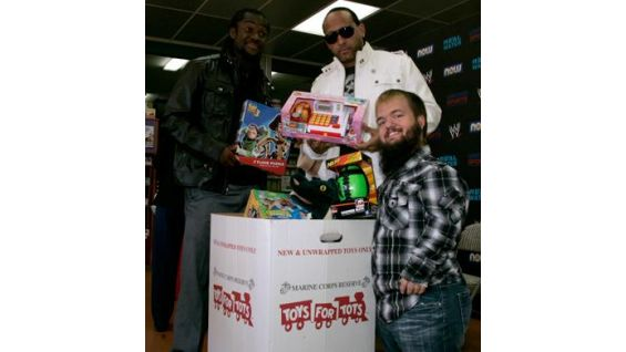 Kingston, MVP and Hornswoogle take stock of the donated toys.