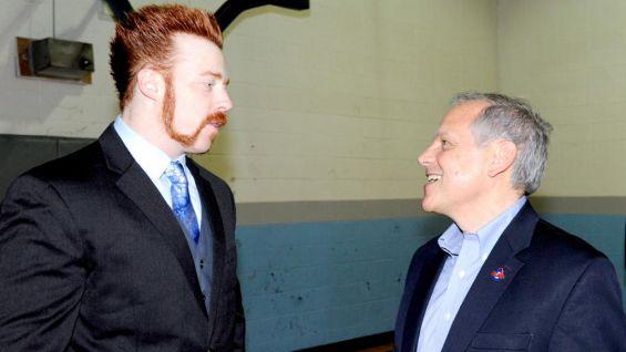 Viverito chats up the World Heavyweight Champion before Raw 1,000.