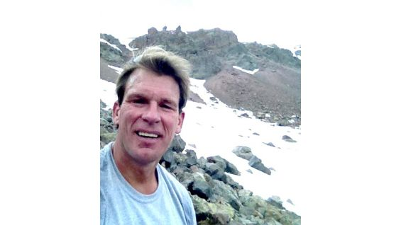 JBL snaps a photo seven hours into his latest climb.