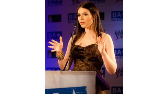 Michelle Trachtenberg talks to the crowd at the Washington Club.