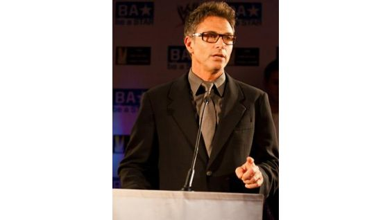 """""""Dr. Jekyl and Ms. Hyde"""" actor Tim Daly talks to the attendees."""