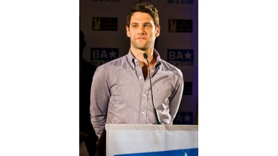 """""""The Hangover"""" actor Justin Bartha gets on the mic."""