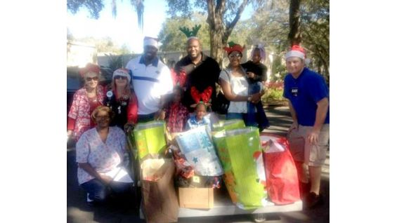 O'Neil spent four days near his home in Florida helping those in his community who need it most. He handed out more than 800 gifts!