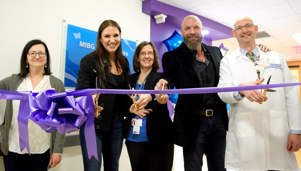 Stephanie McMahon & Paul Levesque cut ribbon for new therapy suite at UPMC Children's Hospital of Pittsburgh: photos