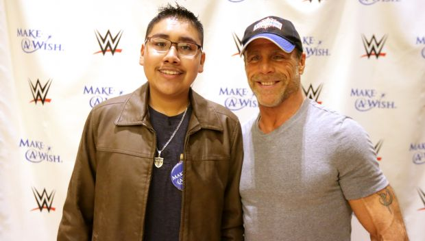 Shawn Michaels grants a wish in Houston: photos