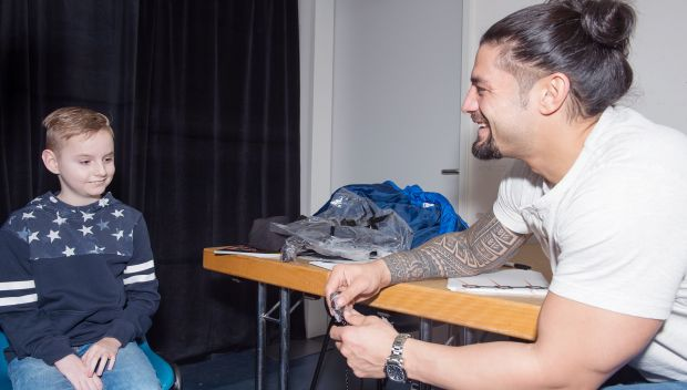 Roman Reigns meets Yannis in Germany: photos