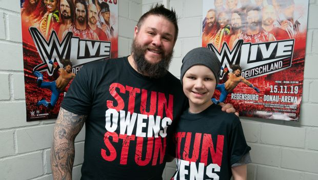 Superstars grant wishes in Germany during WWE's European tour: photos