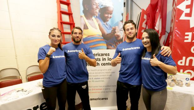 Superstars join AmeriCares Emergency Relief Kit Building: photos