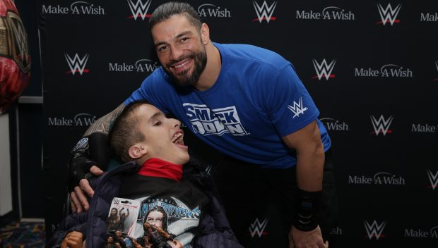 Roman Reigns grants wishes in Chicago: photos