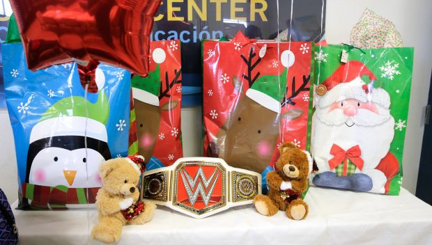Sin Cara  teams with Boys & Girls Club of America to surprise a family this holiday season