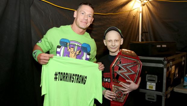 Torrin meets his favorite Superstars at Raw: photos