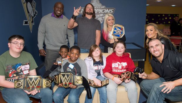 Superstars visit Children's Hospital of Pittsburgh: photos