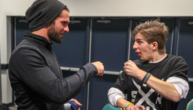 Seth Rollins meets Dillon before Raw in Chicago: photos