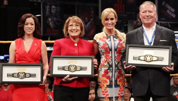 WWE Honors Everyday Heroes: photos