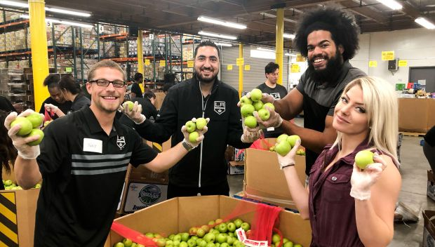 Alexa Bliss and No Way Jose volunteer at Los Angeles Regional Food Bank: photos