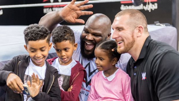 Mojo Rawley, Mark Henry encourage Al-Oula kids in Jeddah