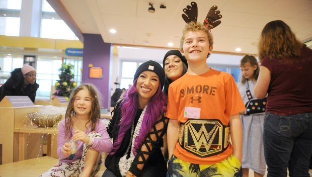 Superstars bring holiday cheer to Children's Hospital of Pittsburgh: photos