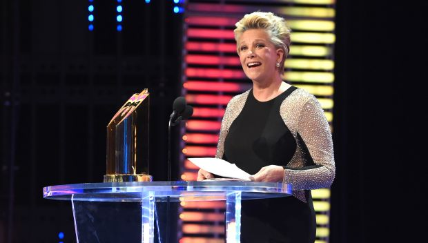 Joan Lunden receives the Warrior Award at the 2016 WWE Hall of Fame: photos