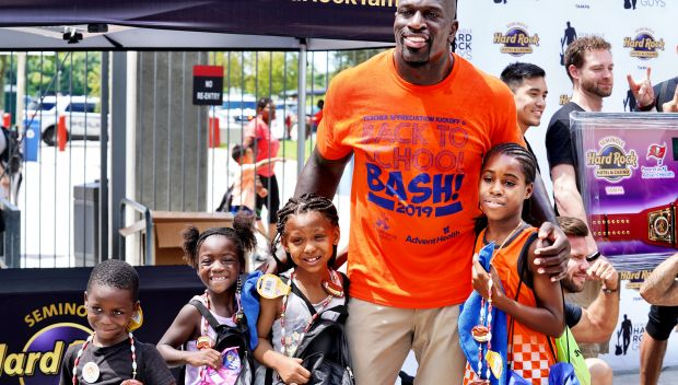 Titus O'Neil hosts Tampa's Back to School Bash 2019